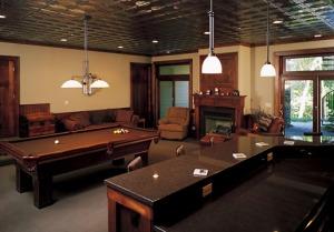 Pool Table & Bar Basement